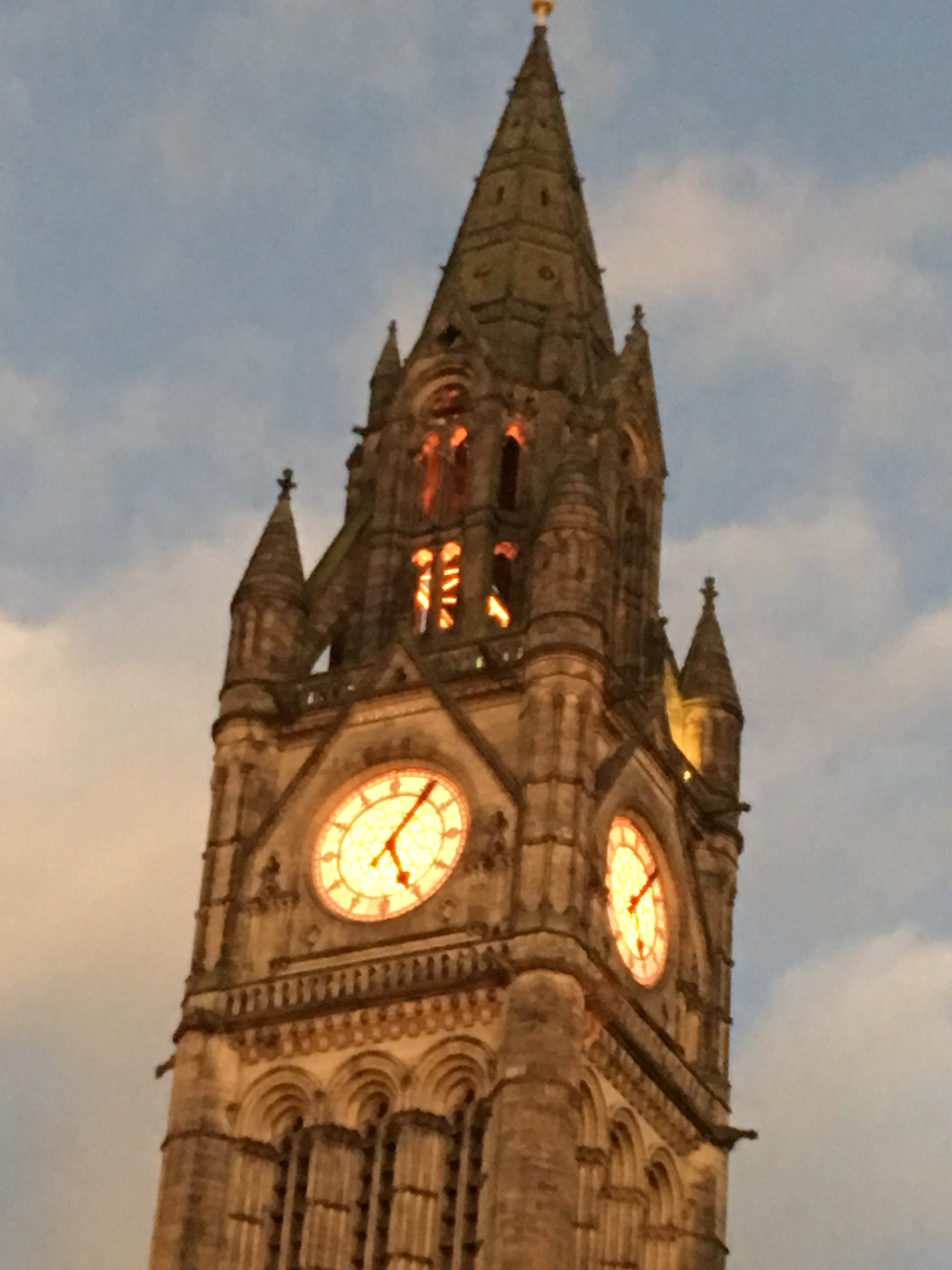 Manchester Town Hall Lights change Nov 2016 - Clock tower | In aid of CRPS Awareness Month
