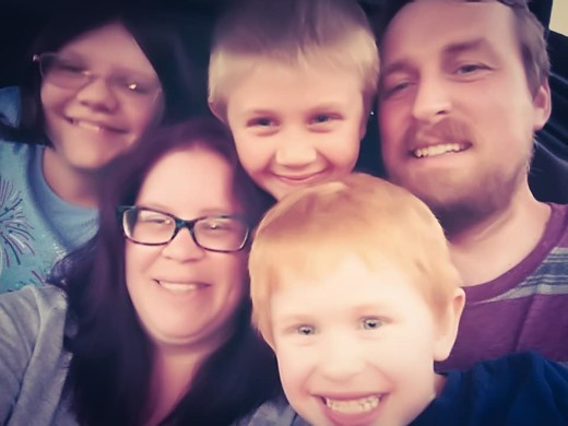 Read Stacey's CRPS Story and how she developed complex regional pain syndrome. This is Stacey and her family